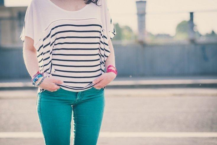 … носить узкие джинсы