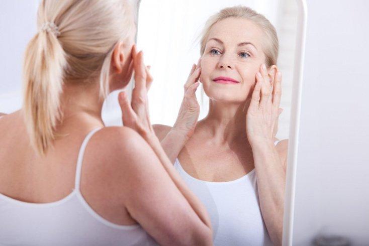 Старение, агрессивная косметика и другие причины обезвоживания кожи