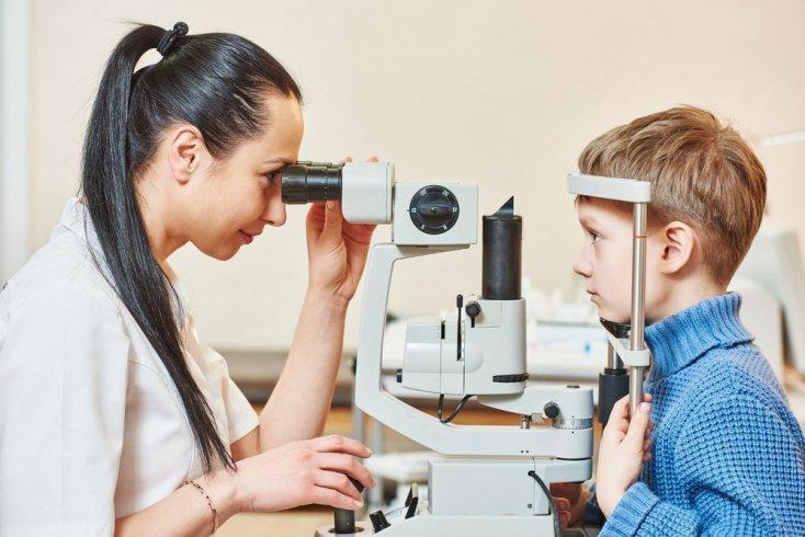 Регулярные осмотры у офтальмолога