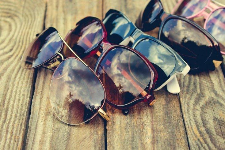 Из чего делают линзы для солнцезащитных очков?