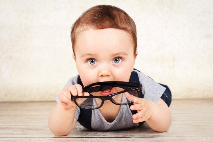 Как родителям заметить нарушения зрения: симптомы болезни