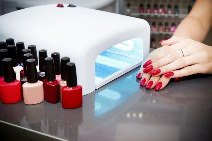 3. Цветное покрытие может ослабить ногти