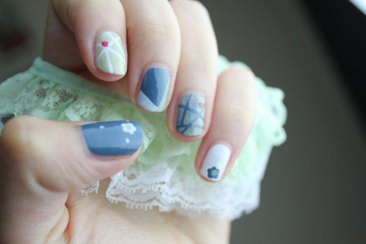 Идеи для стильного дизайна ногтей с наклейками