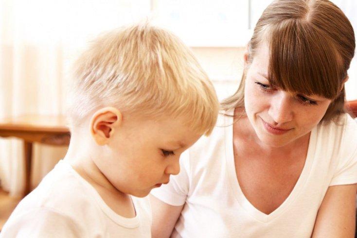 Не обсуждайте с малышом других детей