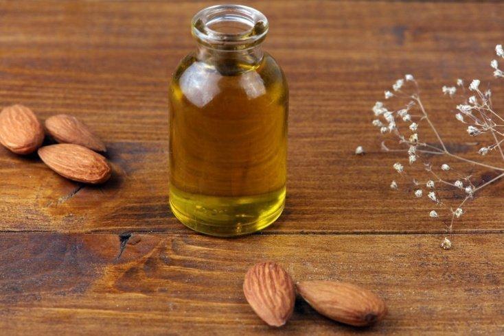 Миндальное масло: забота о коже в зимний период