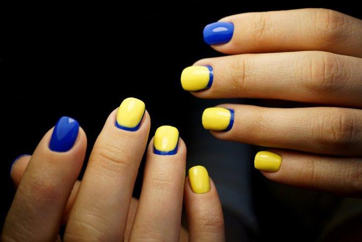 Идеально для коротких ногтей: прямые лунки