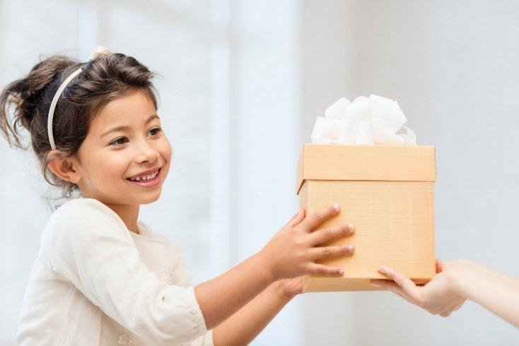 Что подарить ребенку на 1 июня?