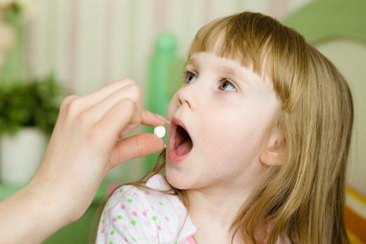 Нужны ли антибиотики для лечения воспаления среднего уха?