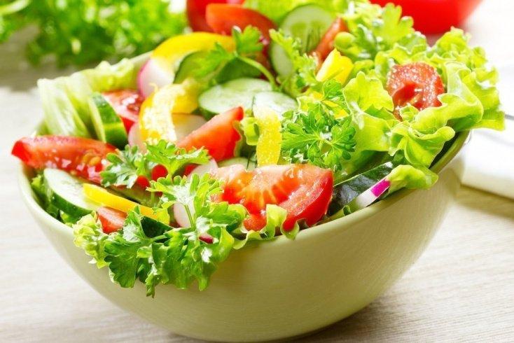 Овощной салат малыш попробует первым