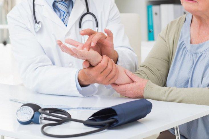 Линии на руках для врачей: симптомы заболеваний