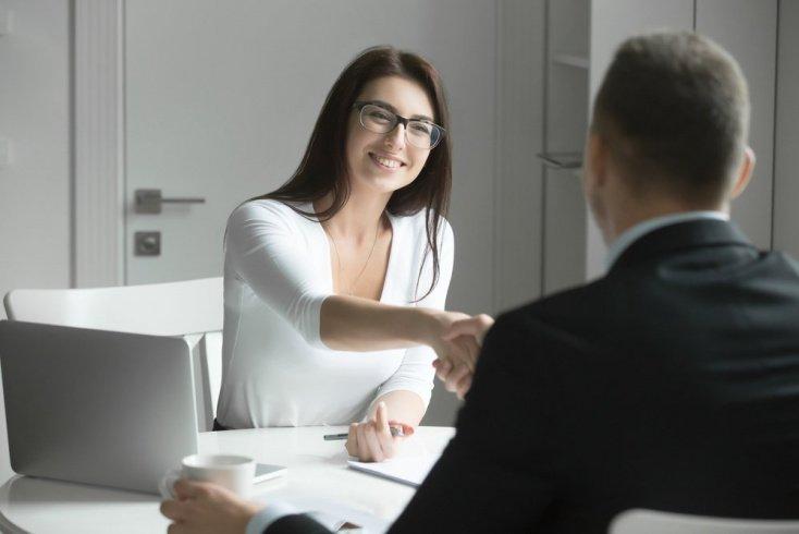 Романтические отношения с коллегой: любовь или дурной тон?