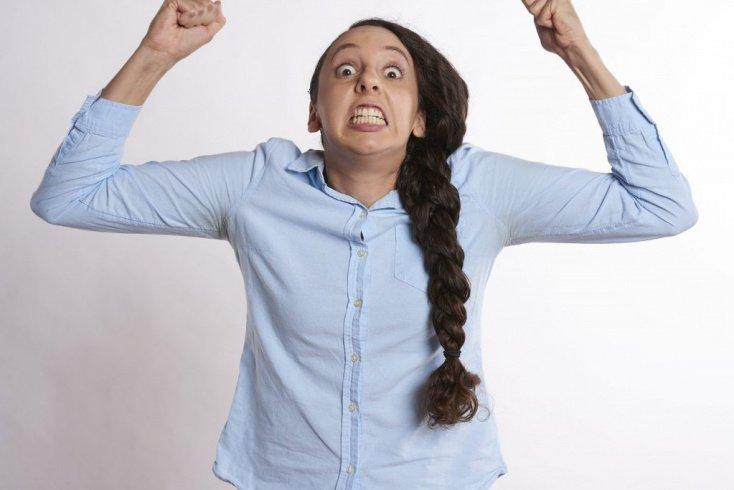 Негативные эмоции: способы преодоления женской истерики