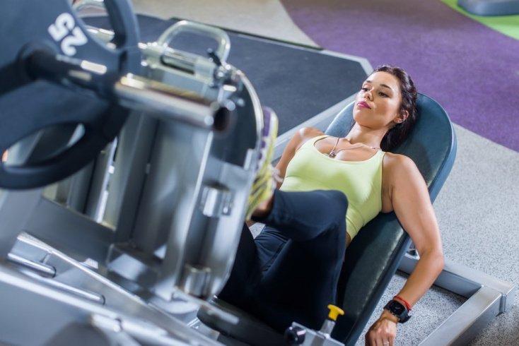 Правила фитнеса при выполнении упражнений на тренажерах для ягодиц