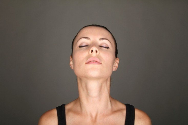 Подтягиваем лицо и шею: делаем гимнастику