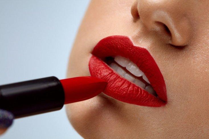 Техника нанесения декоративной косметики для губ