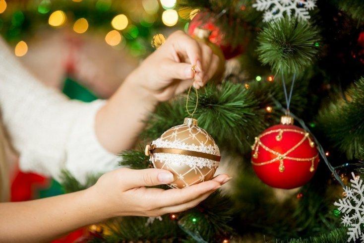 Елочные украшения и новогодний декор: опасная красота