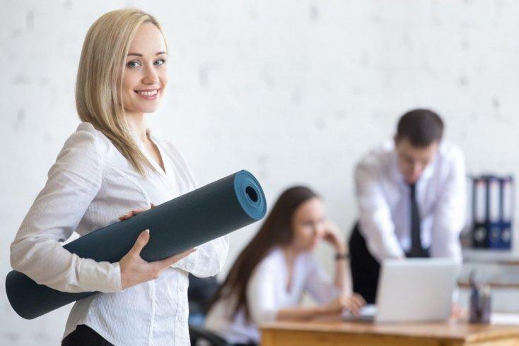 Фитнес на работе — возможно ли?