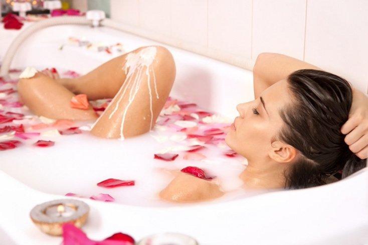 Медово-молочные ванны для молодости кожи