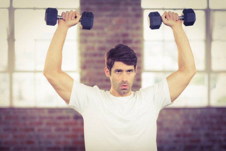Профессиональная фитнес-тренировка для наращивания мышечной массы