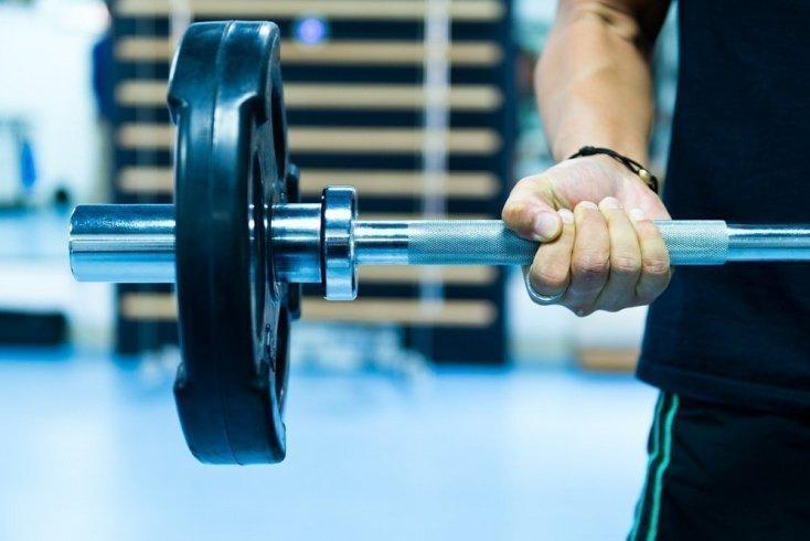 Здоровый образ жизни: тренировки со штангой