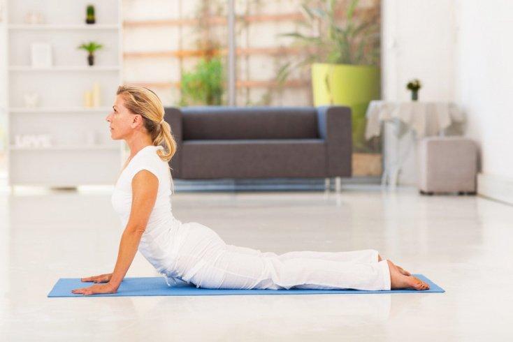 Как йога асаны помогают избавиться от лишнего веса