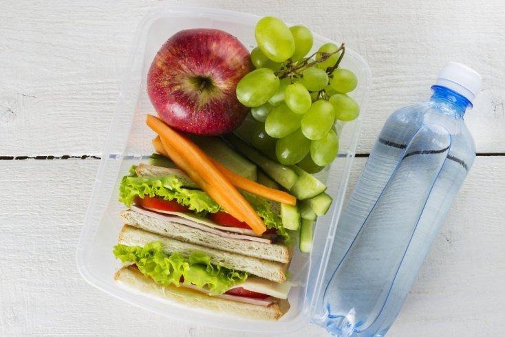 Привычка 8: вода и легкие закуски с собой