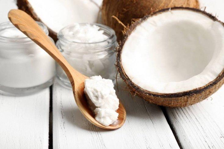 Роскошные волосы: почему ценится масло кокоса?