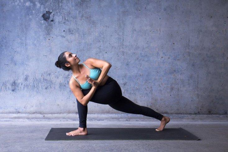 Упражнения фитнес-йоги для снижения веса и укрепления мышц