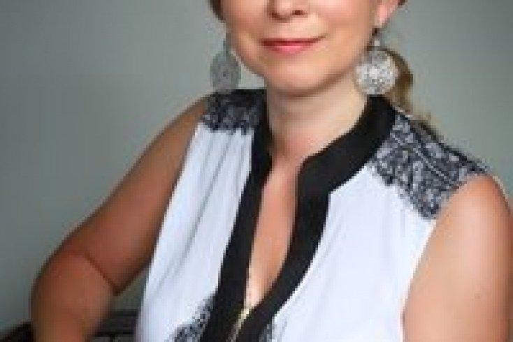 Оксана Стази, педагог и психолог, работала с франко-русскими детьми-билингвами в Париже, мама ребёнка-билингва
