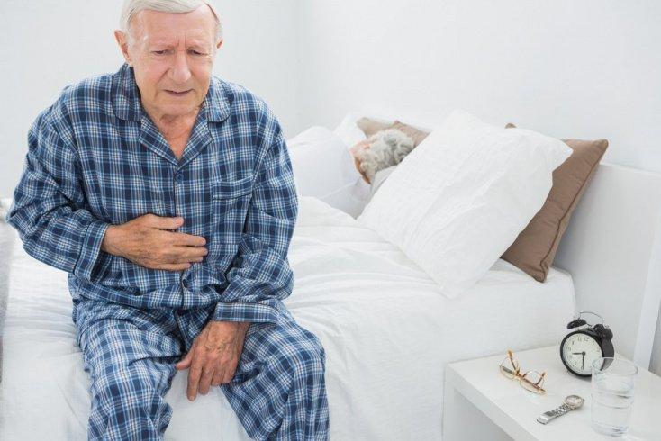 Побочные эффекты: боль в животе, привыкание