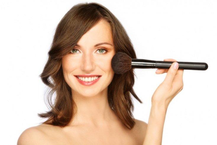 Секреты выбора средства для макияжа
