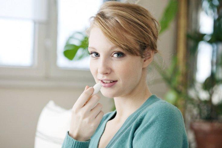 Потрескавшиеся губы как симптом болезней