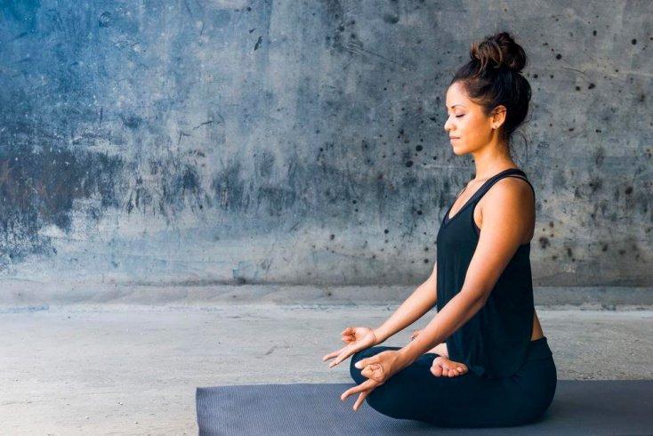 1. Ударьте по стрессу медитацией