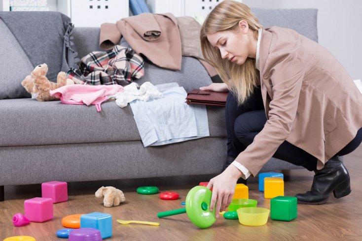 Почему дети разбрасывают игрушки