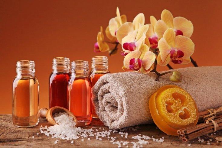 Типы касторового масла, полезные для ухода за волосами