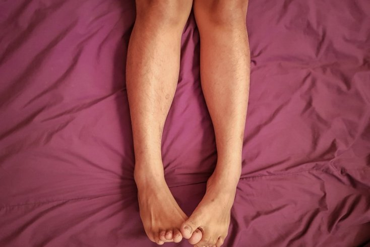 Симптомы: зуд и жжение в ногах