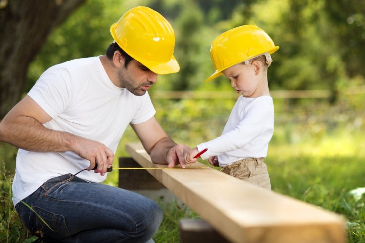 Стоит ли родителям приучать ребенка к домашней работе?