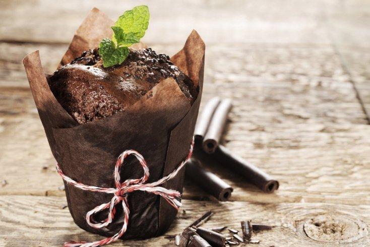 Шоколадный десерт: кекс с мятой и какао