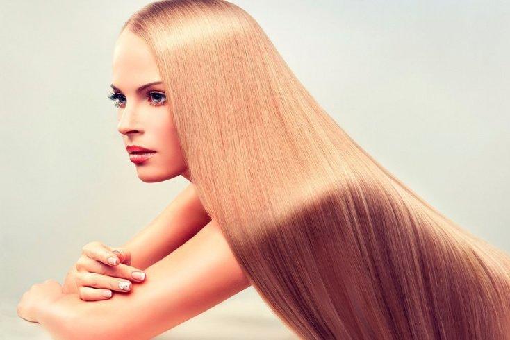 Прическа с гладкими прямыми волосами