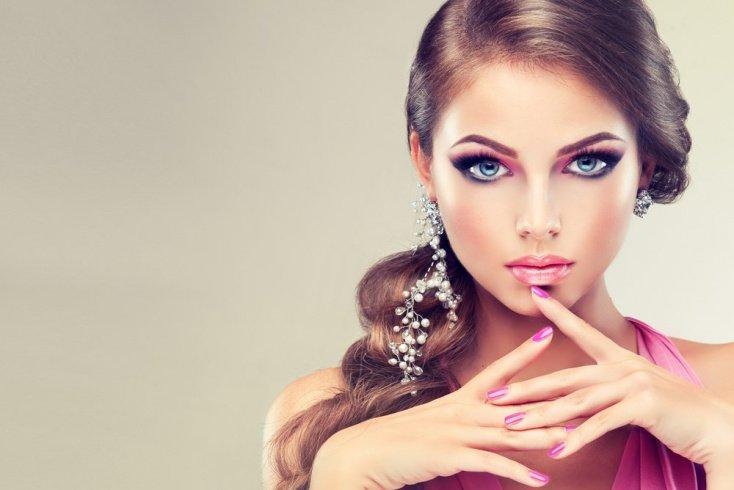 Розовый: макияж для голубоглазых и сероглазых женщин