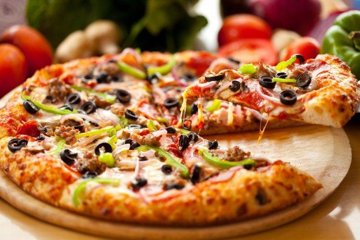 Пицца на сковороде из кабачков
