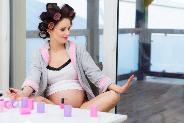 Уход за волосами: правила для будущей мамы
