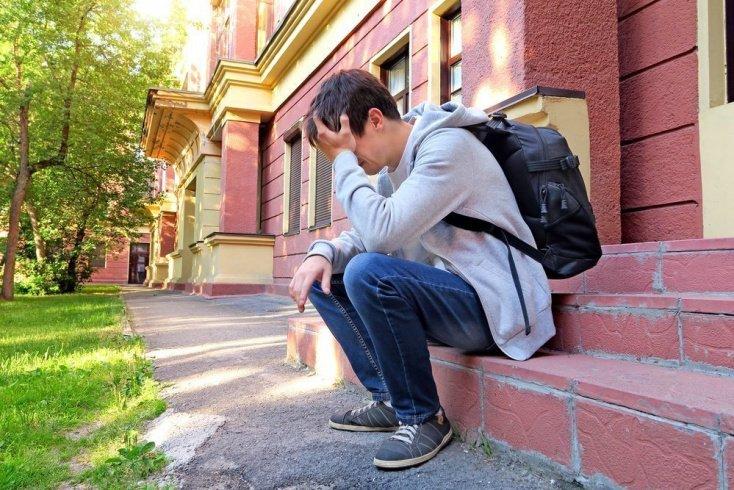 Признаки депрессии у подростков: здоровье ребенка — в центре внимания!