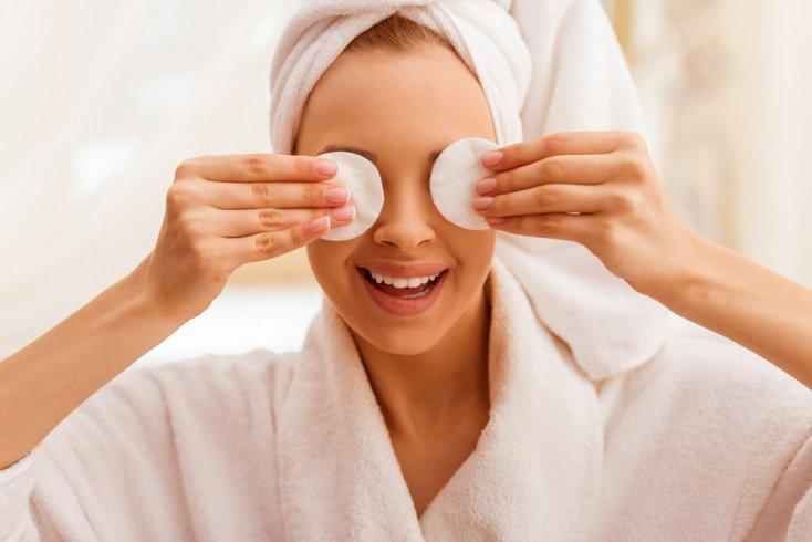 10. Ежедневно очищайте кожу, причем это не значит только демакияж