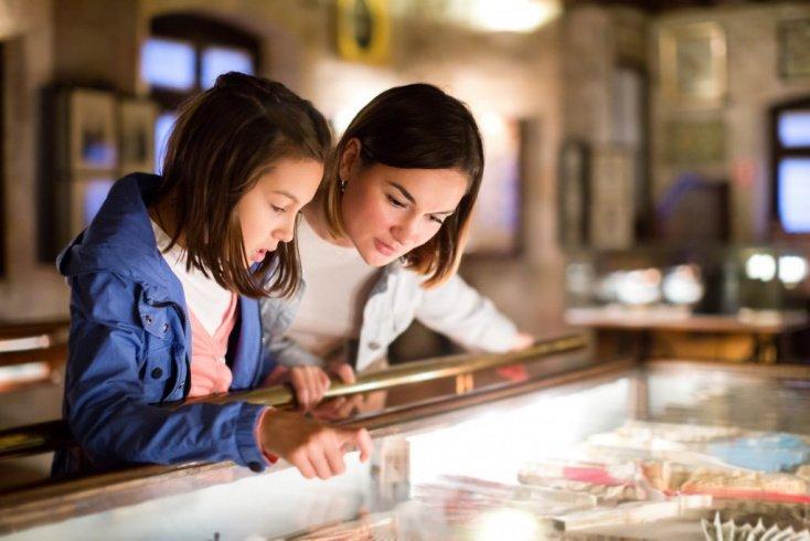 Как защищают музейные экспонаты от внешних факторов