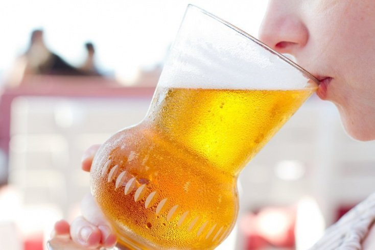 Так ли безопасно употребление безалкогольного пива в период вынашивания малыша?