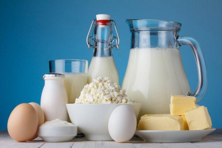 Молочные продукты питания: кефир, сквашенное молоко, йогурт