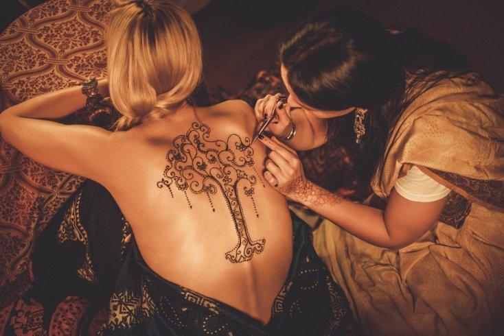 Опасное искусство: татуировки хной и здоровье