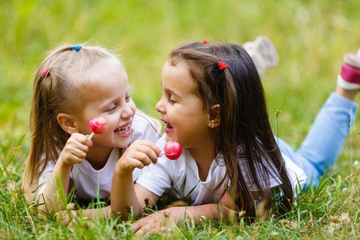 Отношения в детском коллективе: как зарождается дружба?