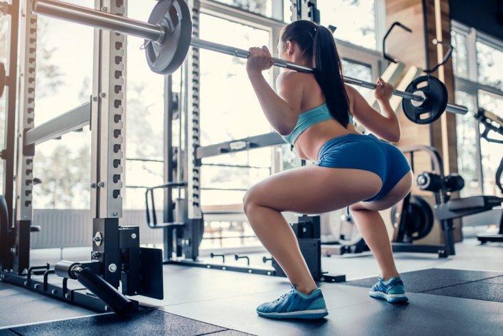 Приседания со штангой: техника выполнения физического упражнения